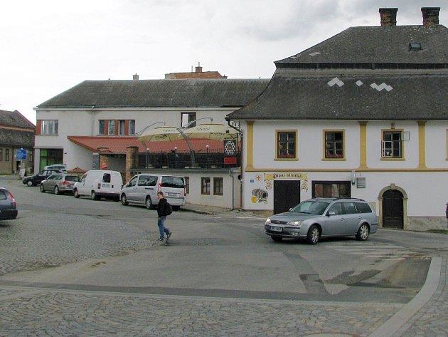 Mohelnická křižovatka u Bruse se změní na rondel.