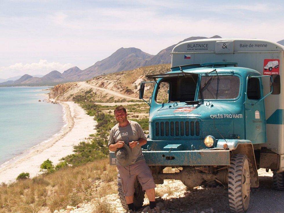 S legendárním náklaďákem V3S na haiti