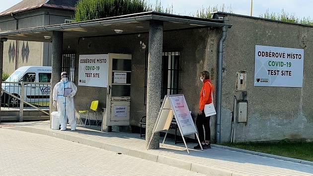 Odběrové místo pro testy na koronavirus v šumperské nemocnici. Ilustrační foto