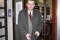 Antonín Janhuba 12. února 2010 při příchodu na jednání se starostou Zábřeha Zdeňkem Kolářem