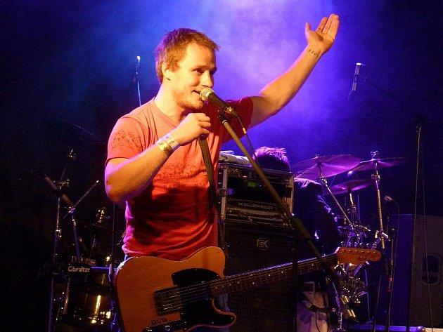 Kapela Wohnout na festivalu Fingers Up v Mohelnici