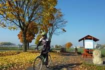 Cyklostezka spojující Moravičany s Mohelnicí je dlouhá 1,8 kilometru.