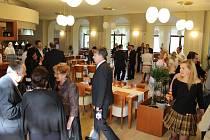 Obnovená kavárna Wiener Kaffeehaus v jesenických lázních.