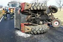 Nehoda traktoru v Uhelné