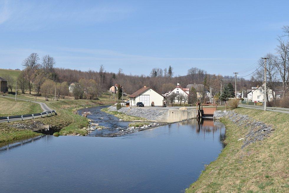 Mikulovice - řeka Bělá v Širokém Brodě
