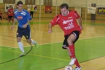 Petr Navrátil (s míčem) na ilustračním snímku z minulého domácího utkání Delty