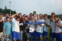 Fotbalisté 1. SK Prostějov přebrali pohár za vítězství ve IV. třídě OFS, skupině B.