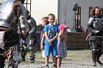 Středověká akce Plumlovské verbování ukázala dobové ležení a střelné zbraně.