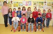 Žáci 1. A ze ZŠ Brodek u Prostějova s paní učitelkou Olgou Haráskovou