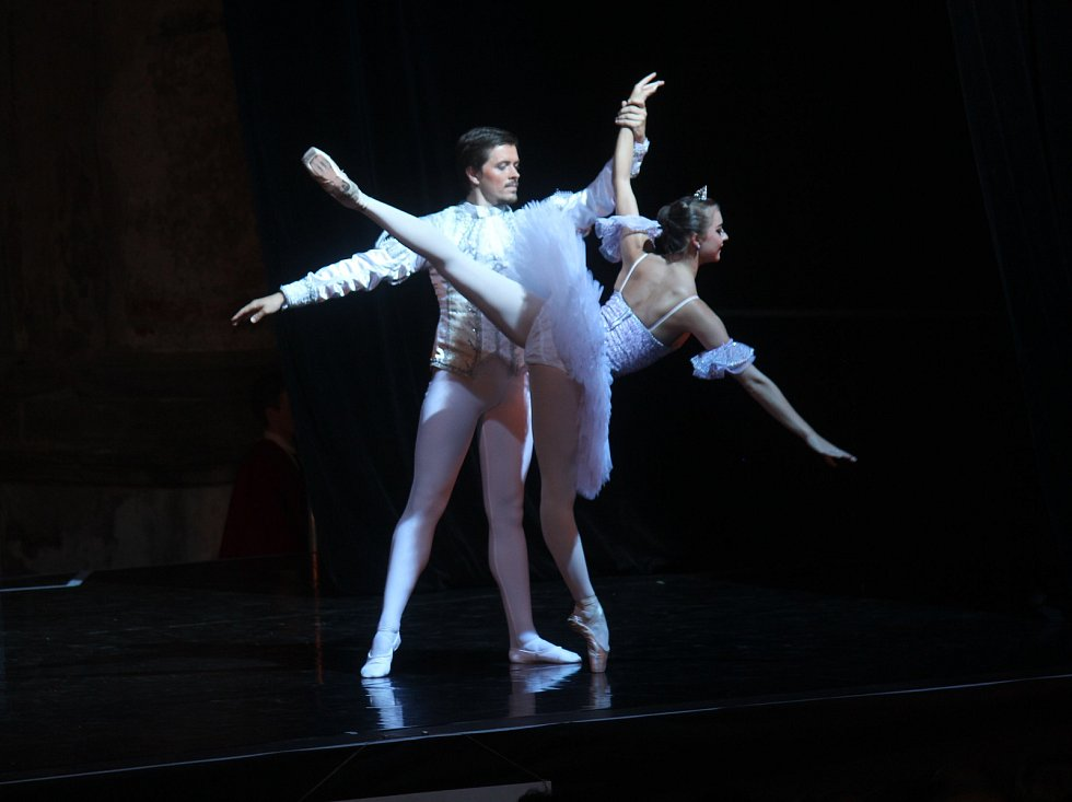 Baletní galavečer na plumlovském zámku