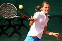 Na prostějovských kurtech v úterý pokračovalo druhým dnem World Junior Tennis Finals, mistrovství světa družstev do 14 let. Češky zvítězily 2:1 s Ruskem, když rozhodující bod zařídila dvojice Marie Bouzková a Tereza Kolářová (v kšiltovce).