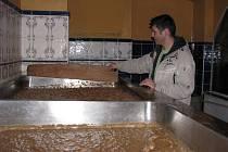 Ve spilkách pravidelně kvasí piva hutná i lehká.