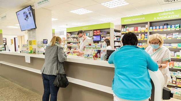 V prostějovské nemocnici zaznamenali v místní lékárně enormní zájem o respirátory.