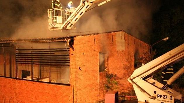 Požár hospodářské budovy v Obědkovicích