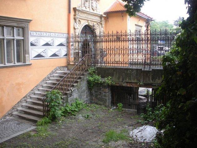 Most u zámku na Pernštýnském náměstí v Prostějově