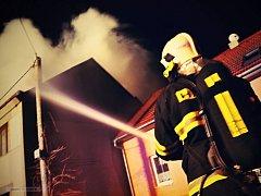 Požár střechy rodinného domu v Klopotovicích