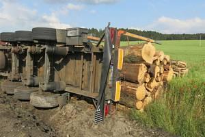 Nehoda opilého řidiče a jeho klaďáku u Hvozdu - 22. 6. 2021