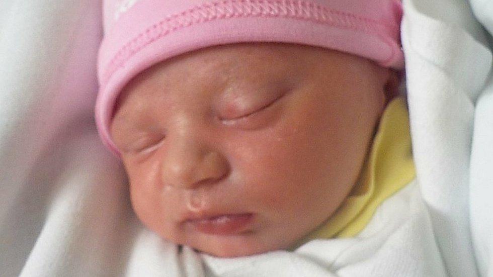 Nora Mohylová, Kralice na Hané, narozena 30. května 2021 v Prostějově, míra 48 cm, váha 2950 g