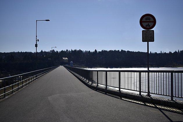 Liduprázdná plumlovská přehrada - 7.března 2021