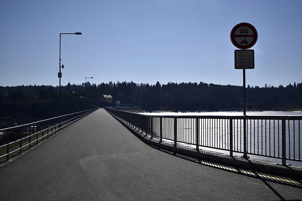 Liduprázdná plumlovská přehrada - 7. března 2021