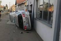 Při srážce v Čehovicích se zranil mladý řidič.