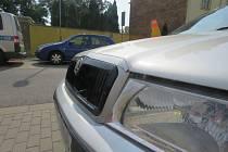 U Fiesty v Prostějově se střetla dvě auta, policie hledá svědky.