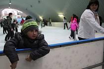 Konické kluziště o víkendu navštívily desítky milovníků ledního bruslení.