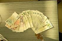 Žena před prostějovskou restaurací našla peněženku s doklady a desítkami tisíc. A vrátila ji majiteli.