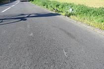 Na silnici mezi Kaplí a Lípami se v pondělí srazili cyklisté s autobusem.