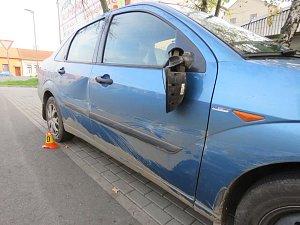 Řidič ujel od nehody a utekl svědkovi