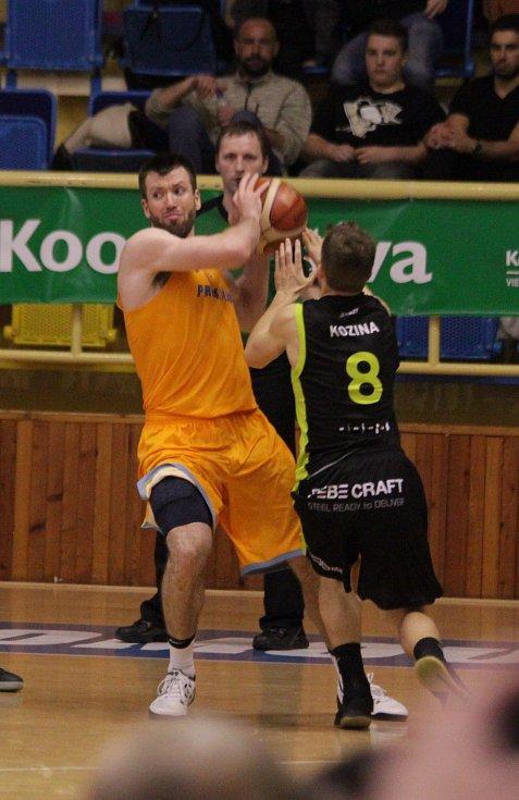 Tři měsíce čekali prostějovští basketbalisté na výhru. V sobotu večer se konečně dočkali, když porazili Brno 81:76