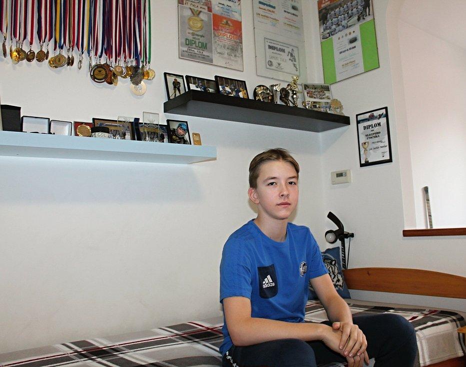Čtrnáctiletý Samuel Fiala z Prostějova, se vydal dobýt hokejový svět. 19.2. 2020