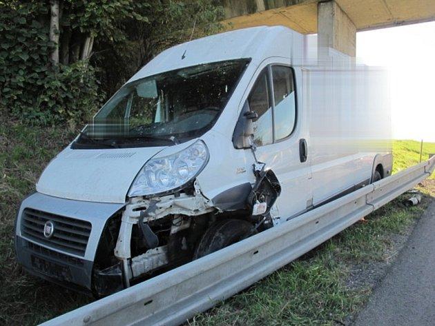 Nehoda dodávky na R46