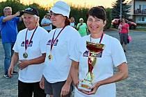 Lenka Svobodová (vpravo) z týmu Valšovic obhájila titul mistryně republiky ve trojicích.