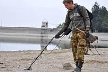 Hledači pokladů na Plumlovské přehradě