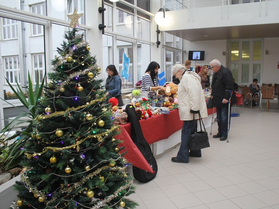 Vánoční bazar nadace Agel v prostějovské nemocnici