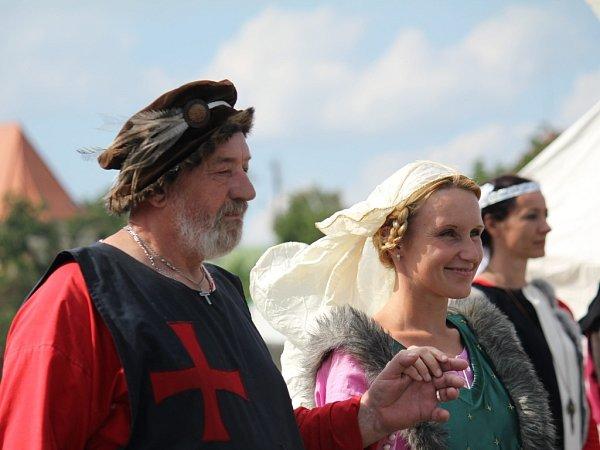 Bitva ohrad Drahans ise středověkou svatbou a ukázkami řemesel