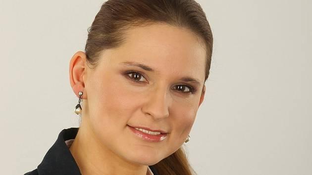 """""""Pokud někdo tvrdí, že netřídí, protože má ke kontejnerům daleko, v podstatě se vymlouvá,"""" říká mluvčí neziskové společnosti EKO-KOM Šárka Nováková."""