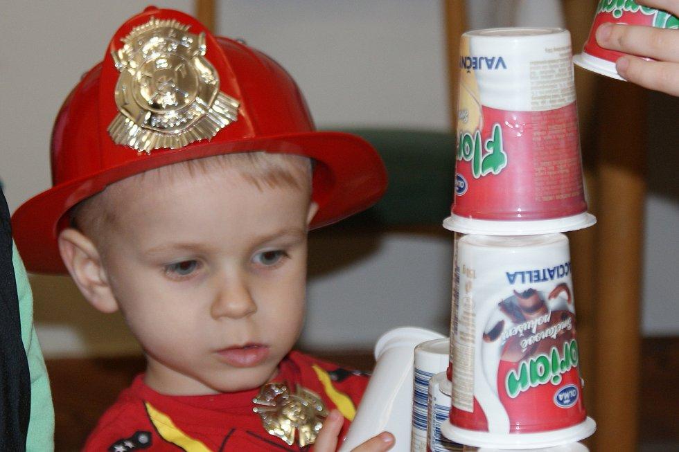 Dětský maškarní karneval. Ilustrační foto