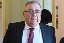 Bývalý generální ředitel zkrachovalé společnosti Oděvního podniku (OP) Prostějov František Tuhý u prostějovského okresního soudu