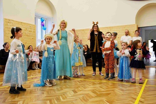 Karneval Ledové království ve Sportcentru-DDM vProstějově - 25.1.2020