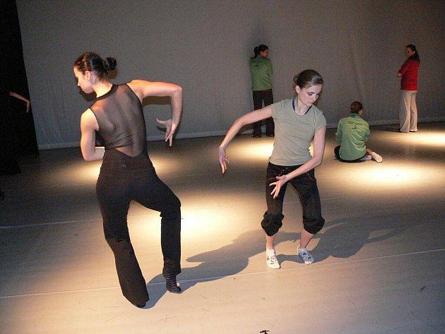 Baletní program Nulovaná gravitace v prostějovském divadle