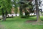 Park u zámku v Konici