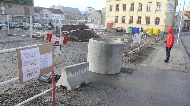 Dění na zabraném parkovišti u Kaska v Prostějově