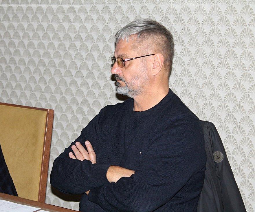 K uctění jednoho z nejvýznamnějších Prostějovských rodáků Edmunda Husserla bude uspořádáno mezinárodní kolokvium, výstavy a instalována bude pamětní deska. Na snímku sochař Miloš Karásek