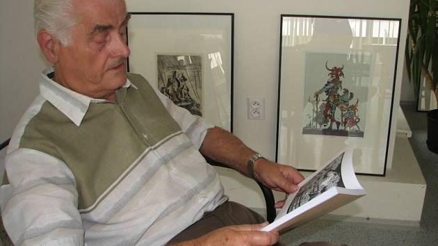 V publikaci představuje Josef Dolívka výtvarníky, kteří jsou spjatí s prostějovským regionem.