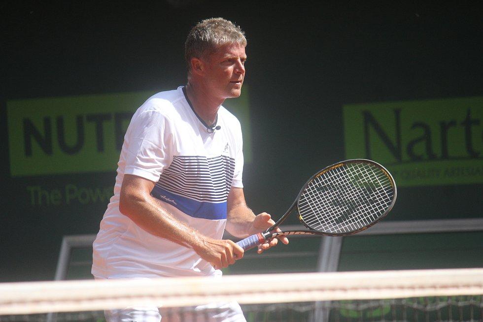 Tenisová exhibice mezi Jiřím Novákem a Švédem Johanssonem. (Jiří Novák)