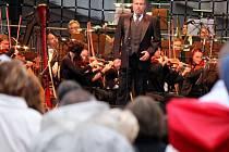 Koncert světového tenoristy Josepha Calleji na prostějovském náměstí