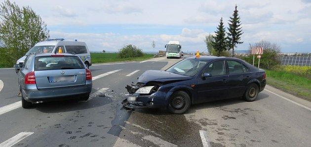Nehoda fordu uŽešova