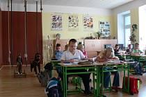 Žáci si sami řekli, že chtějí mít ve třídě lana i akvárium.